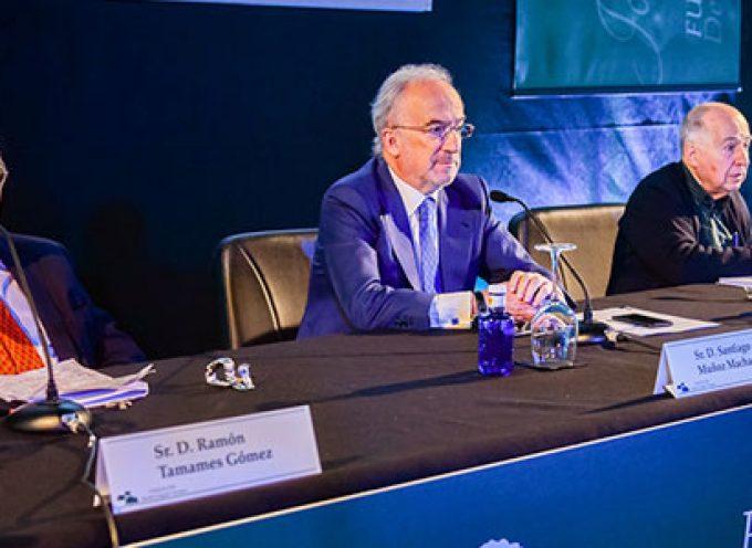 Toharia destaca que los españoles están más preocupados por la situación política que por la economía