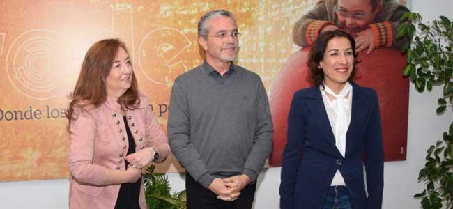 La portavoz socialista de Igualdad y Políticas Sociales del Parlamento de Andalucía, Soledad Pérez, ha visitado PRODE