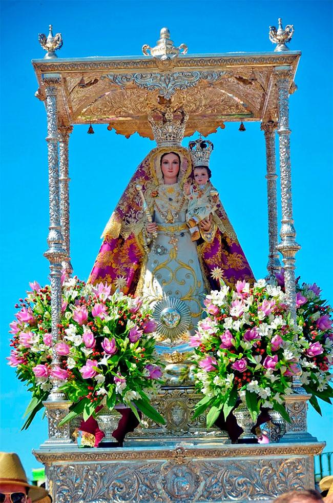 Virgen de Luna, Patrona de Villanueva de Córdoba