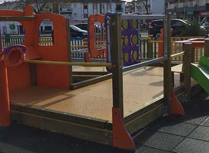 El Ayuntamiento de Pozoblanco adapta el parque infantil de La Salchi para niños y niñas con discapacidad