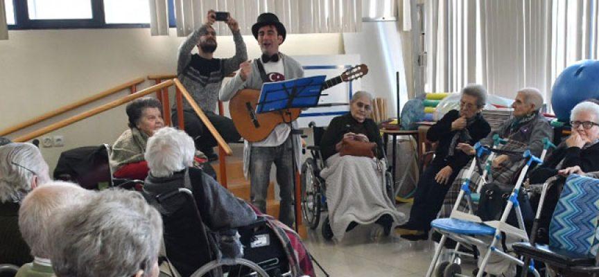 El taller Presente Musical, en Pozoblanco, pretende activar la memoria de los mayores