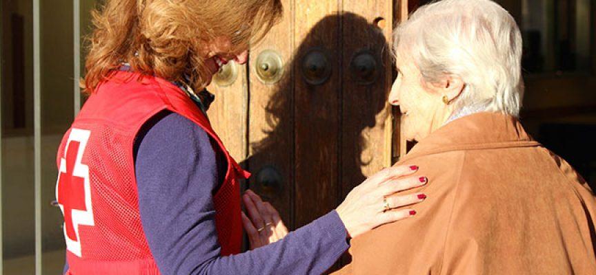 Cruz Roja ofrece compañía en Los Pedroches a 388 personas mayores que viven solas