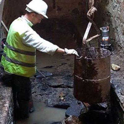 El Ayuntamiento de El Guijo limpia sus pozos, aprovechamos para ver su interior