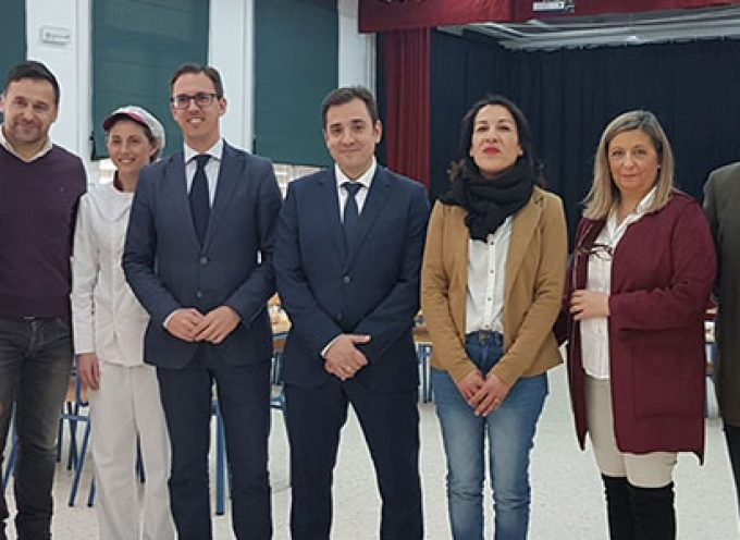 El delegado de Educación inaugura el comedor del colegio Virgen de Luna de Pozoblanco y visita el aula hospitalaria