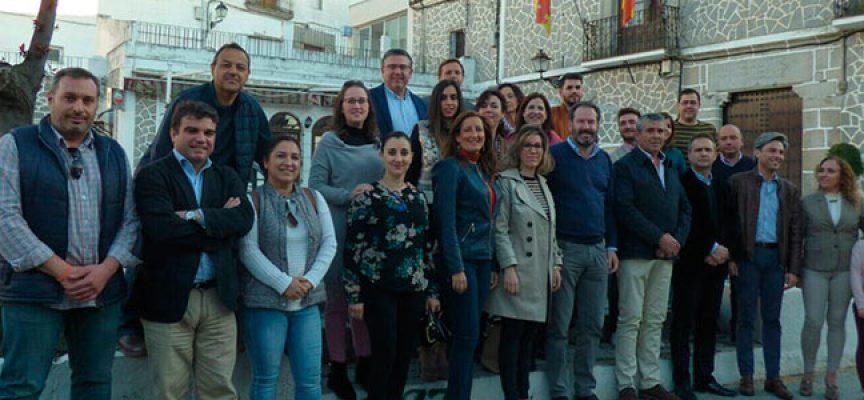 Adolfo Molina destaca la política llevada a cabo por el Gobierno central en una reunión comarcal del Partido Popular en Pedroche