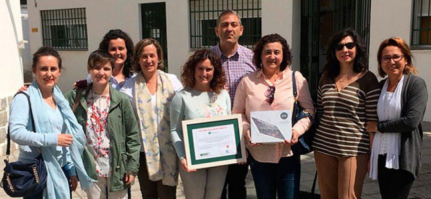 El Aula Hospitalaria del Hospital Valle de los Pedroches recibe material escolar del Colegio Manuel Cano Damián
