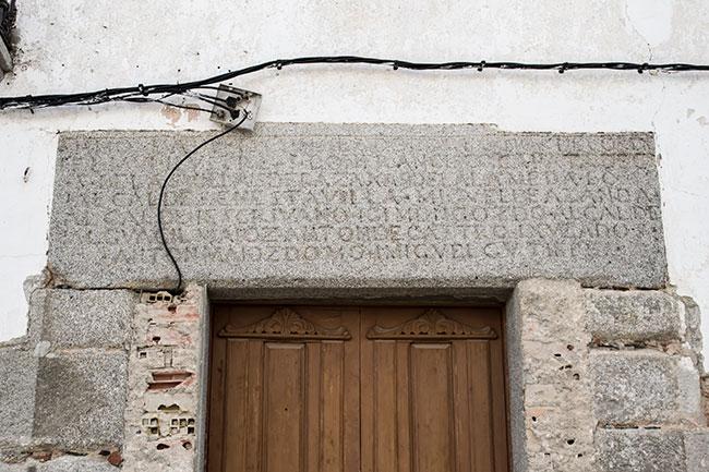 Portada del antiguo ayuntamiento de Pedroche