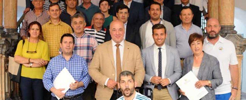 La Diputación firma 50 convenios con ayuntamientos, clubes y federaciones deportivas por un importe total de 540.000 euros