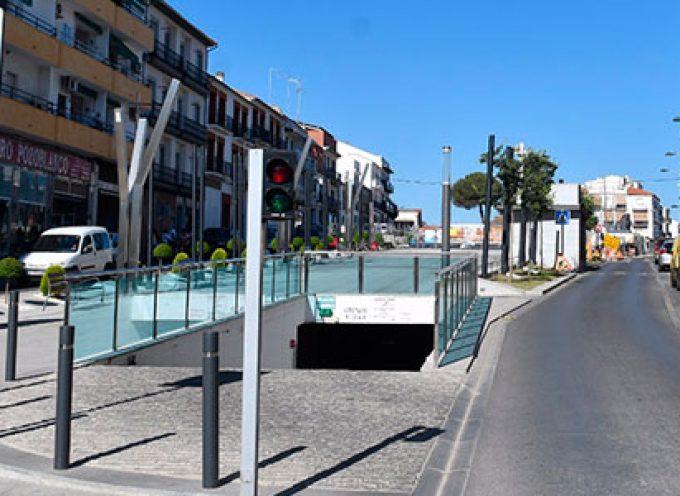 Corte del carril derecho de la Avenida Villanueva de Córdoba de Pozoblanco por las obras de remodelación