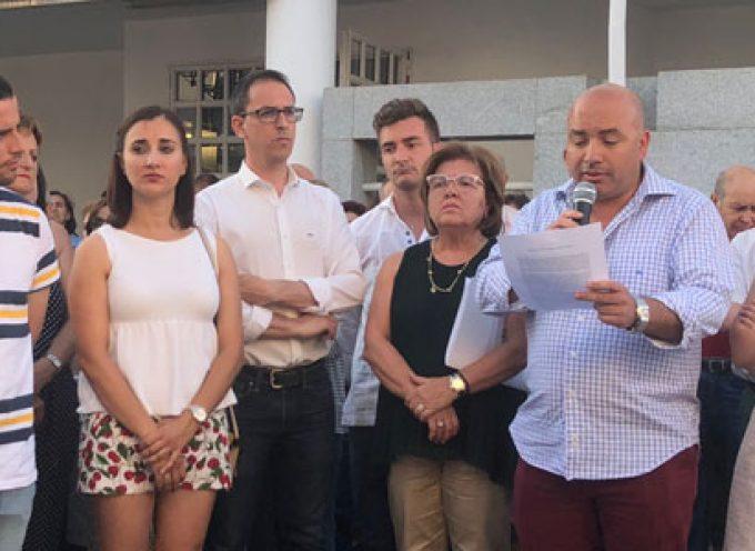 Unas 250 personas se han manifestado para demandar un centro de salud digno para Villanueva de Córdoba