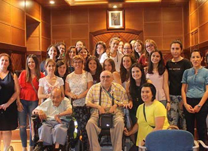 El Ayuntamiento de Pozoblanco da la bienvenida a las voluntarias concepcionistas del campo de trabajo del Camf