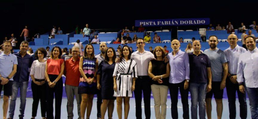 La pista central de tenis del Polideportivo de Pozoblanco ya lleva el nombre de Fabián Dorado