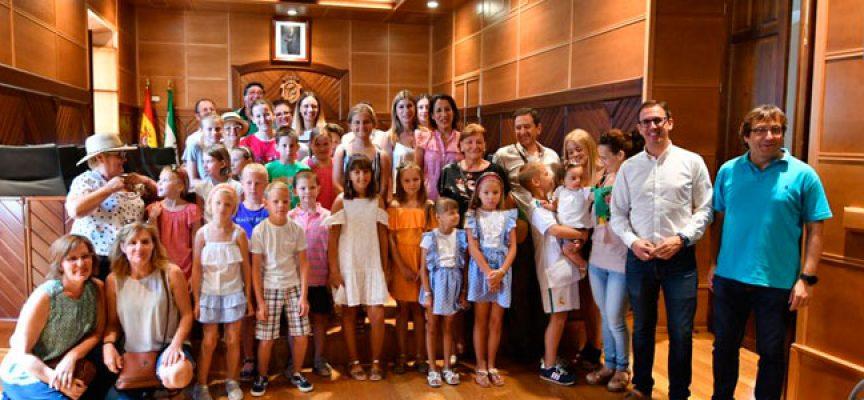 El Ayuntamiento de Pozoblanco recibe a los 25 niños bielorrusos que han sido acogidos este verano