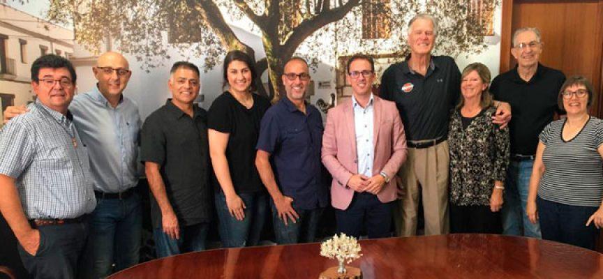 El Ayuntamiento de Pozoblanco recibe la visita de ex jugadores y entrenadores de la NBA