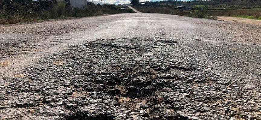 El grupo municipal del PP pozoalbense reclama a la Diputación el arreglo de la carretera de Villaharta