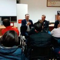 El PSOE mantiene una charla informativa con los ganaderos de Dos Torres