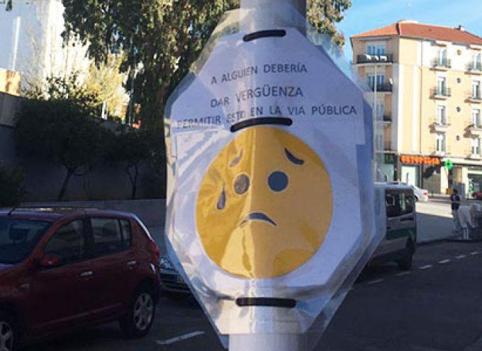 'Este tubo es una vergüenza', dice el cartel