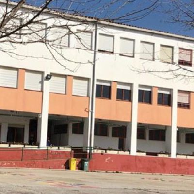 El Ayuntamiento de El Viso solicita el cambio de ventanas en el CEIP La Inmaculada