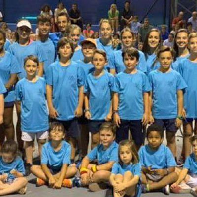 La Escuela Municipal de Tenis Pozoblanco celebra la fiesta final de curso en el Polideportivo Municipal