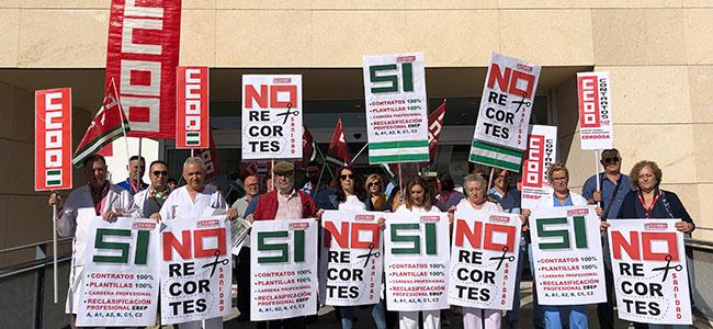CCOO protesta por la falta de cobertura de las bajas, permisos y vacantes en el hospital Valle de los Pedroches
