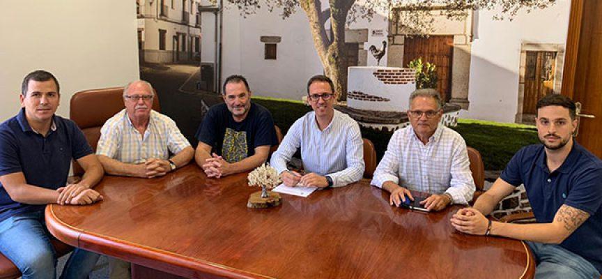 El Ayuntamiento de Pozoblanco analiza con Piedra y Cal los proyectos de mejora de varios entornos históricos