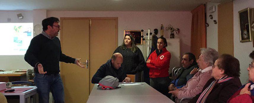 El Centro de Salud de Hinojosa del Duque y Cruz Roja Española inician un proyecto dirigido a los pacientes con problemas de movilidad