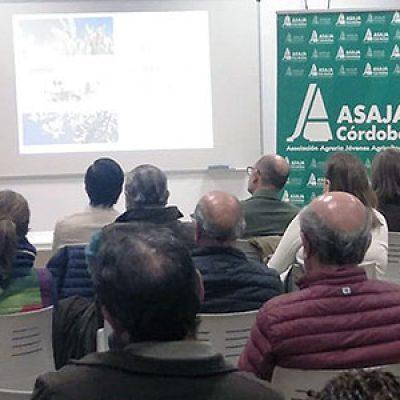 Asaja Córdoba informa sobre las novedades de la PAC en Villanueva de Córdoba y Pozoblanco