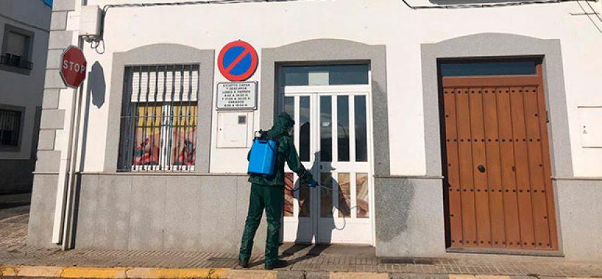 Diputación de Córdoba está  desinfectando las calles donde están los comercios de alimentación y farmacias de los municipios menores de 20.000 habitantes