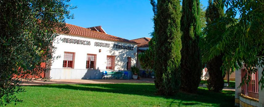 Veinte trabajadoras de la residencia de mayores de Villaralto convivirán con los residentes