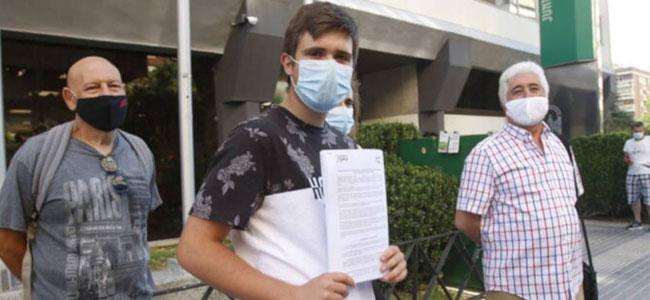 Más de 6100 firmas de apoyo a Héctor para que se retiren los crucifijos del IES de Dos Torres